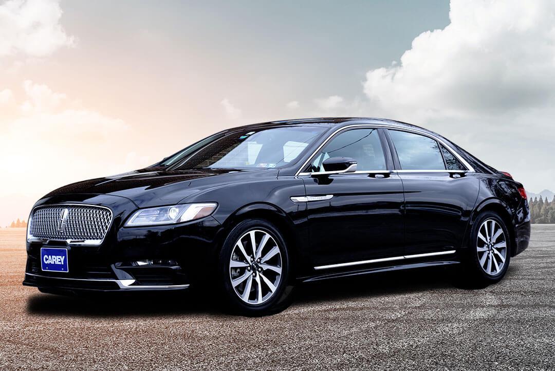 Luxury Sedan - Lincoln Town Car